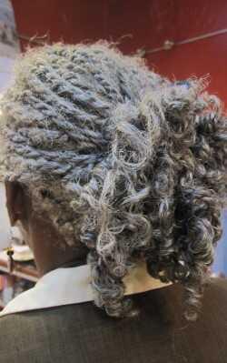 Curly frizure iz Karibov