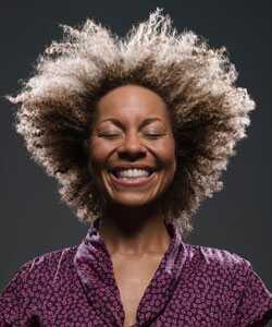 Kynx prirodni proizvodi za kosu dodaju u kovrdžavu blaženstvo