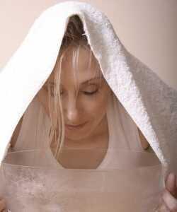 Hjemmelavet hudpleje damp ansigtsbehandling