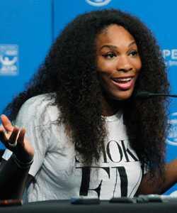 Serena Williams võitleb oma juustega kohtus
