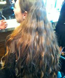 Nicole daruje vlasy paruky pre deti