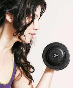 Kuravabad juuksed ja harjutus: kui sobivad naised seda teevad