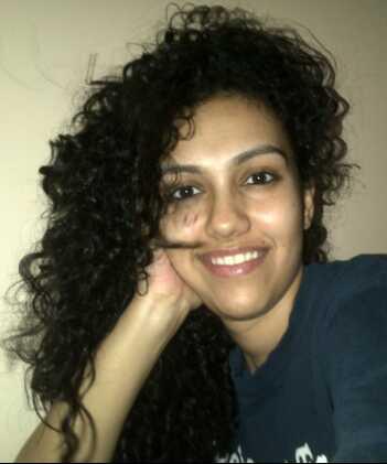A jornada de cabelo encaracolado de Vrushali