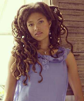 Valerie june jela na njenoj muzici i onoj kosi