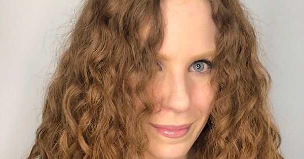 Как методът на къдрава момиче прави моята вълнообразна коса по-дефинирана