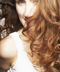 Productos para el cabello ondulado sin los que puedes vivir por completo