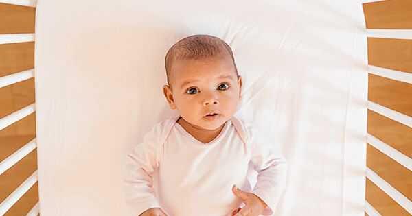 Hoe u de cradle cap van uw baby verwijdert