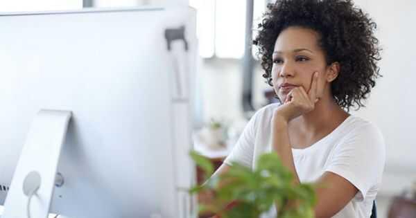 Ајде да разговараме: Дали сте ја доживеале дискриминацијата на природна коса на работа?