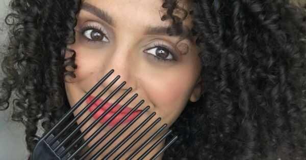 8 neophodnih alata svaka devojka sa finom potrebom za kosom