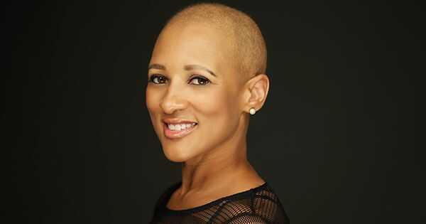 Почему этот генеральный директор разделяет ее историю рака молочной железы в социальных сетях
