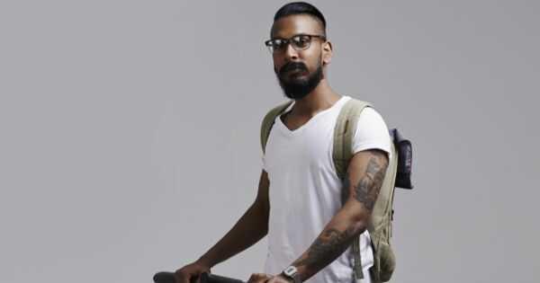 Индиски колеџ студентите добиваат тетоважи за коса