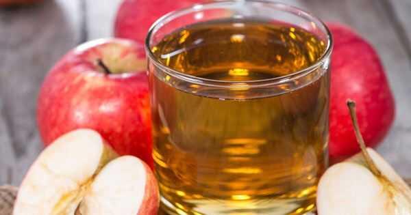 Прополощите волосы яблочным сидром и уксусом
