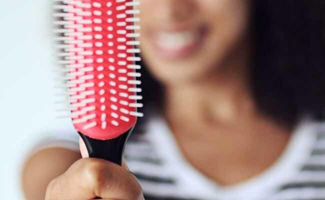 Detangling 101: Kako detanglirajte kovrdžavu kosu