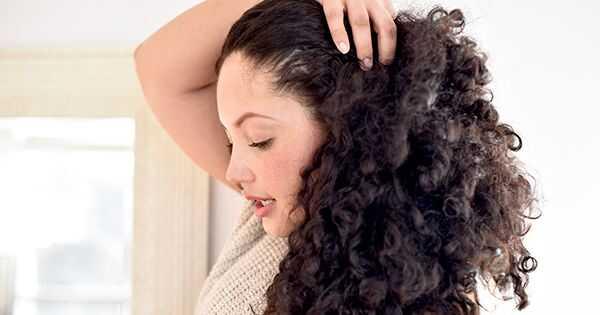 Ovaj trik za sušenje vazduha je mjenjač igre za kovrdžavu kosu