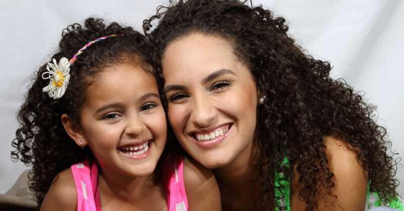 Jak učit vaše dítě, aby si vyrobilo vlastní vlasy