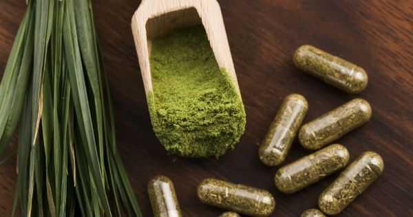 13 fantastici motivi per cui dovresti bere erba di grano