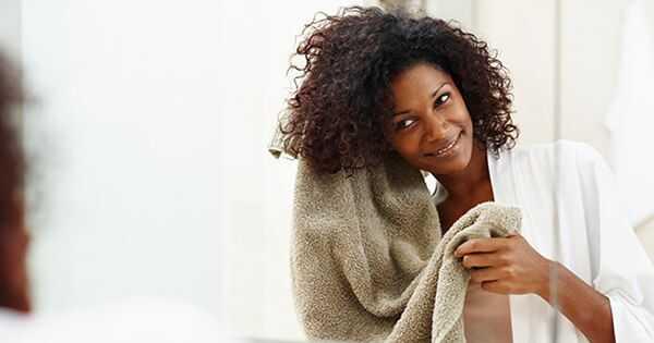 Toto je najlepšia teplota vody na umývanie vlasov