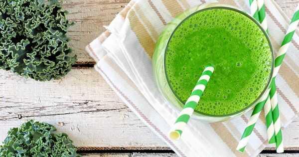 Încercați acest delicios Kale smoothie pentru păr mai sănătos