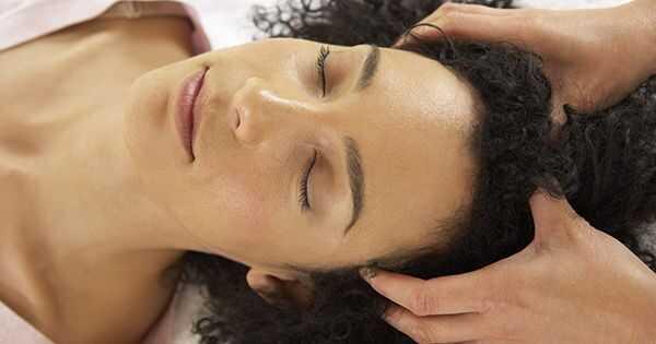 4 domowe środki na zdrową skórę głowy