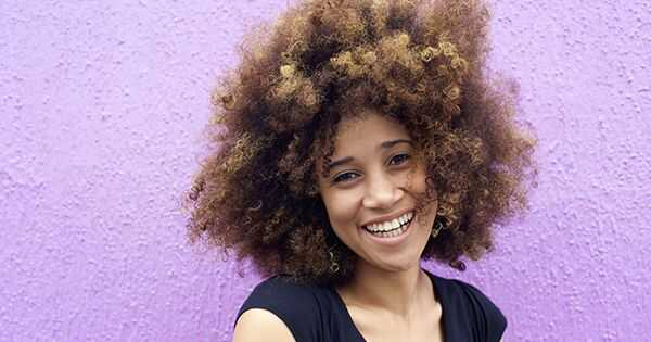 Hoe je je haar beschermt voordat je haarkleur gebruikt