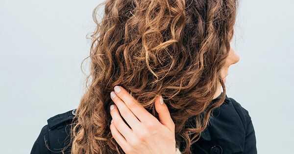10 zimskih kovrdžavih saveta za kose sa kojima ne možete živeti