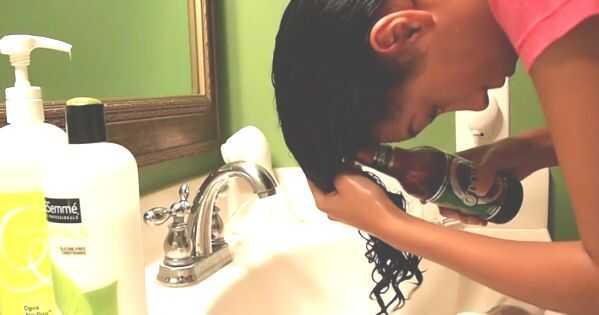 Mājas dzēriens izskalo veselīgākiem, spēcīgākiem matiem