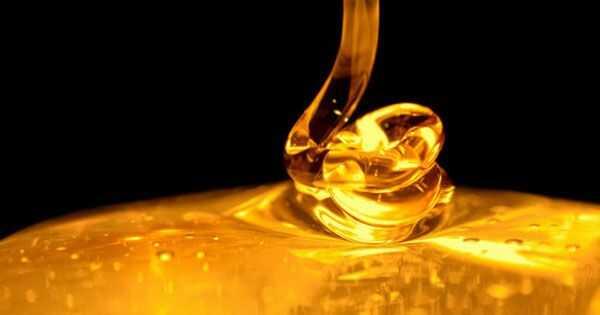Delte ender og tørr hodebunnsmedisin: Manuka honning