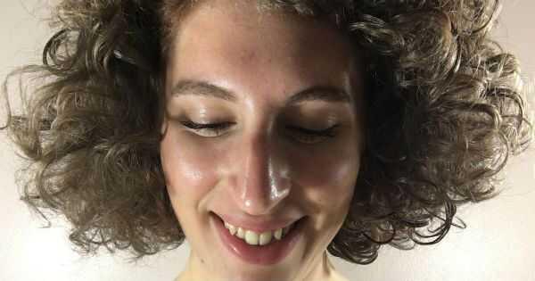 Ali je gel odskočni curl lahki kremni gel delal na mojih zakrivljenih valovitih laseh?