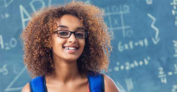 Curly nasveti za lase za šolo