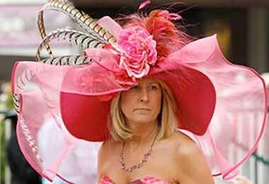 Nezaslišani slogi klobučevine za kodraste lase