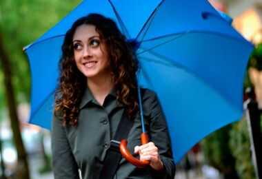 5 no-frizz tipy na daždivé jarné dni