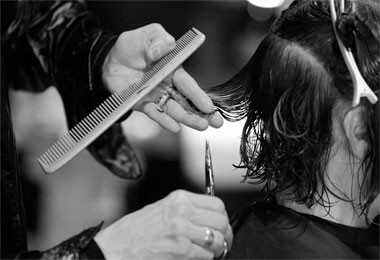 Jonathanas Torčikas pjaustytų garbanotieji plaukai