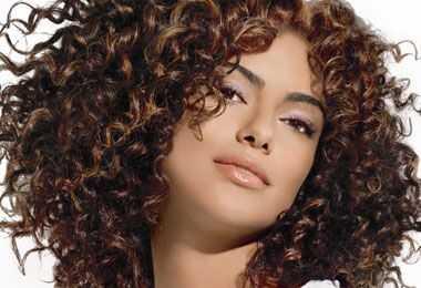 Saloni Ulta nudi 20 dana ljubaznosti ljubičaste kose