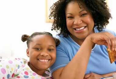 Mātes un meitas dabiskie rituāli autiņiem matiem