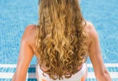 Haarproducten volumineus maken voor lauw zomerhaar